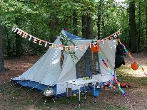 tent op kampeerplaats